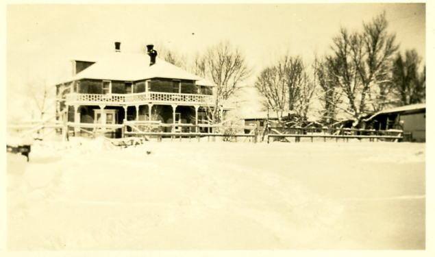 walsh-ranch-house-in-winter